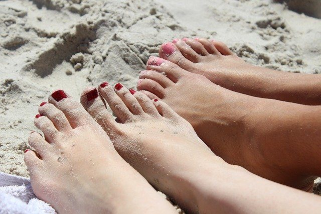 feet-fungus-essential-oils